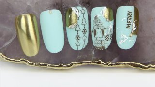 Magical winter nail art in turquoise-gold shade