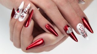 Modern, romantic, almond shaped nail sculpturing