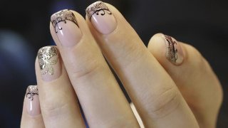 How To Paint Thin Lines On Nails