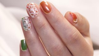 Mirror-Like Coloured Nail With Stamping