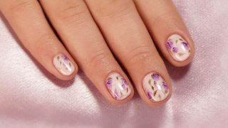 Hand Painted Aquarelle Flowers On Short Nails